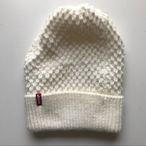 NWOT cream soft knit levi's beanie / hat